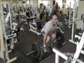 Силовая тренировка с друзьями в тренажерном зале